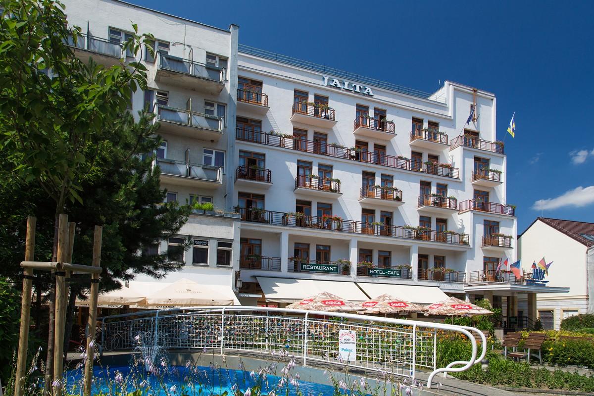 Jalta Ensana Health Spa Hotel **